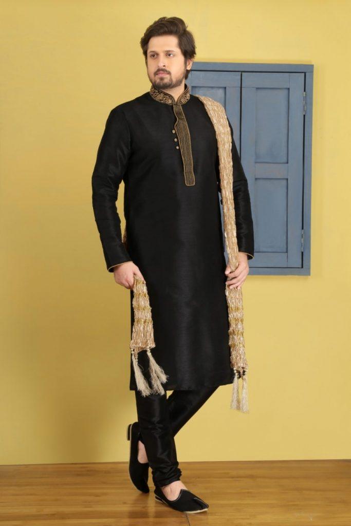 Ensemble de pyjama en soie kurta noir pur Banarasi